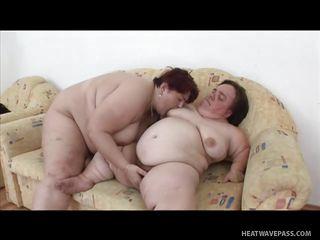 Порно толстые писают в рот