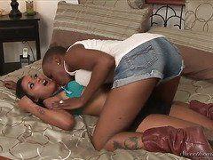 Смотреть видео секс подруга мамы