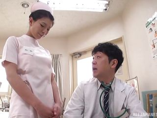 Порно видео на приеме у доктора